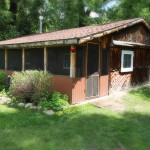 Bar Lazy J Cabin Exterior